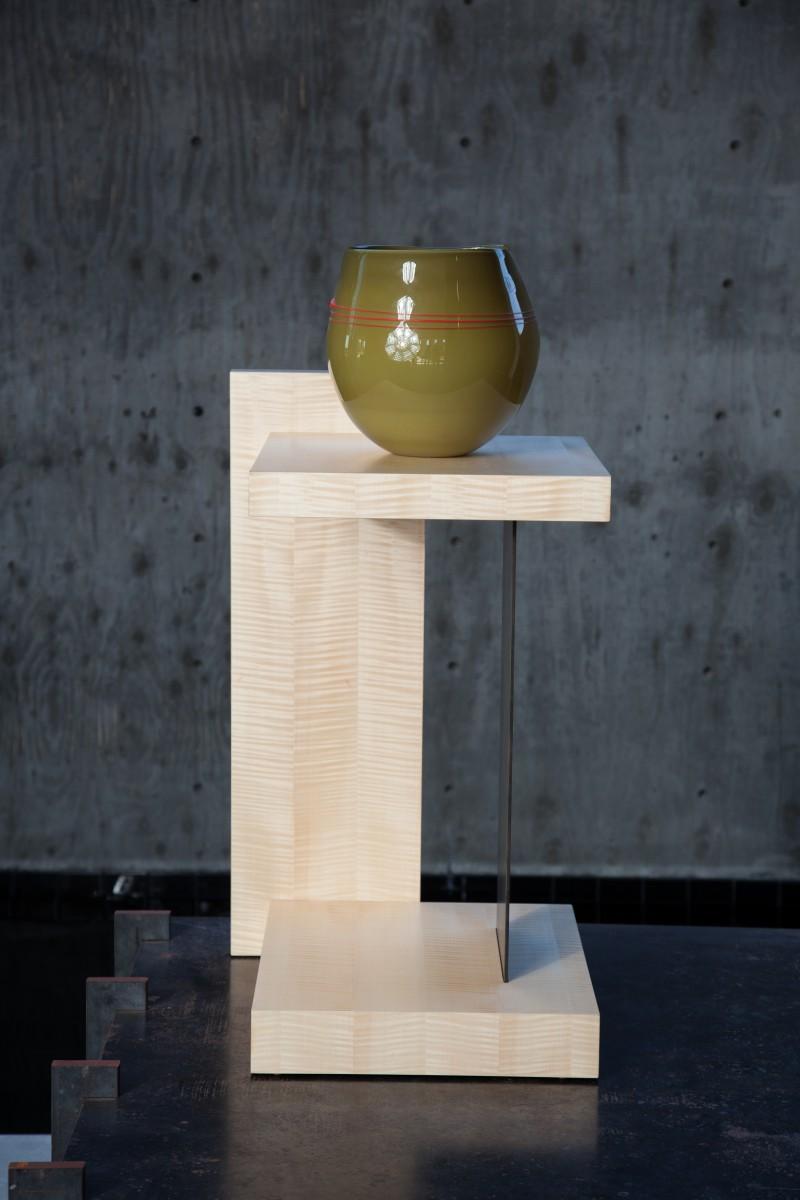 floating display pedestal end table