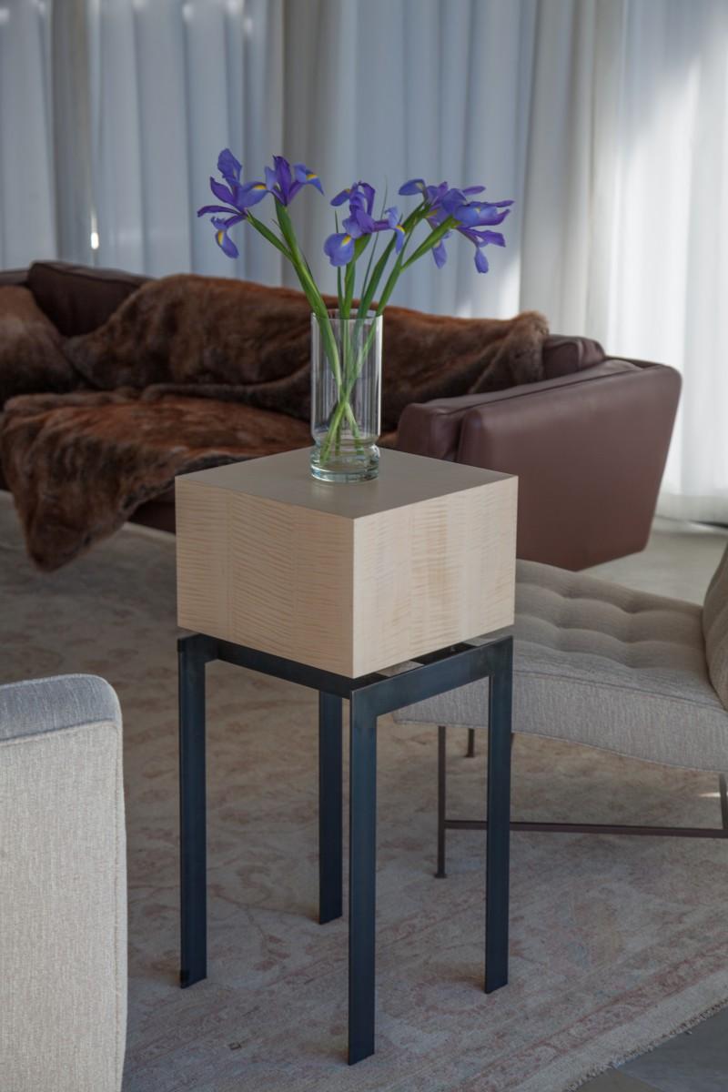 Cube Top display pedestal end table